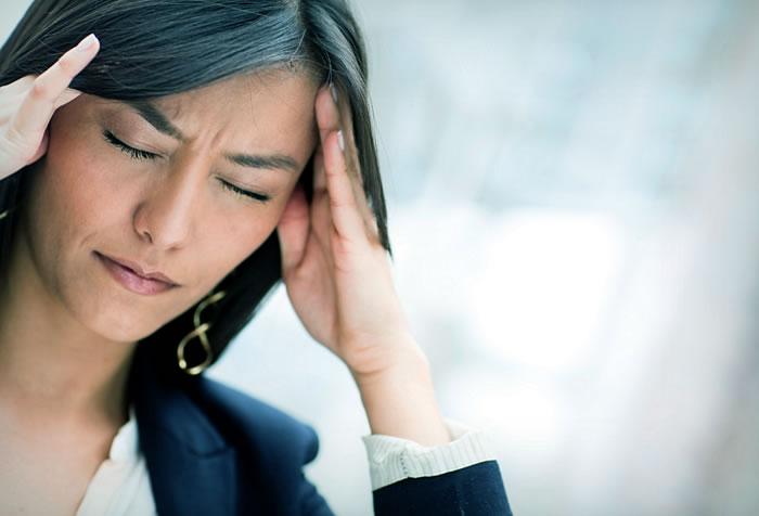 Почему болит голова в висках?