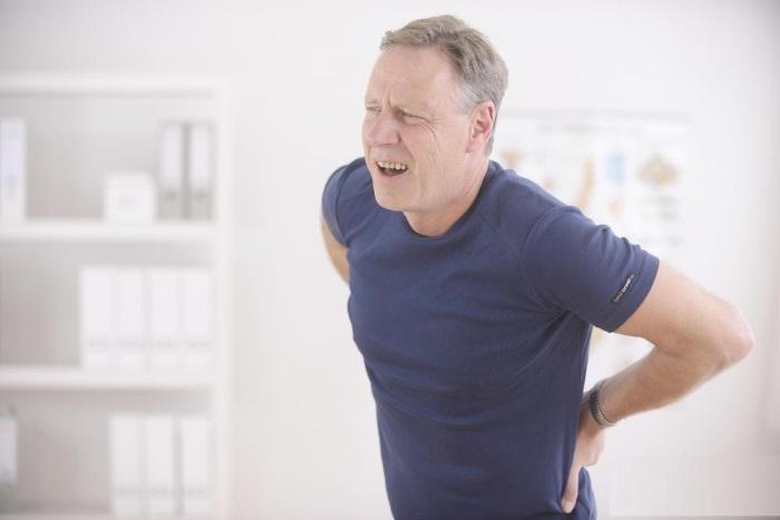 Почему болит копчик у мужчин