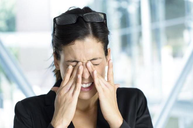 Почему болят глазные яблоки