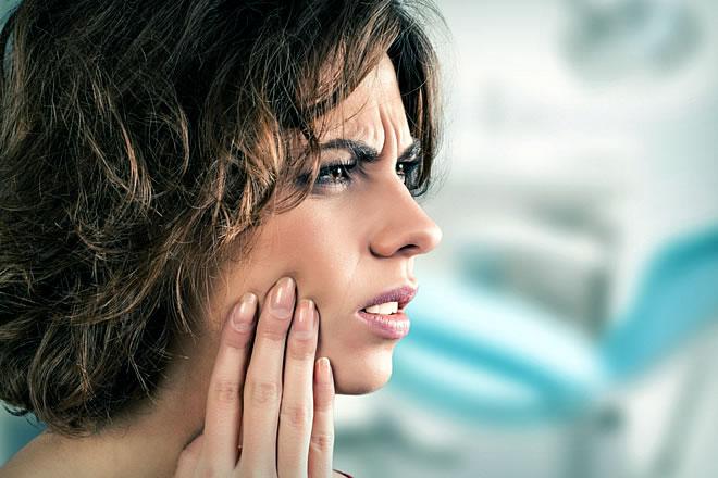 Почему может болеть челюсть