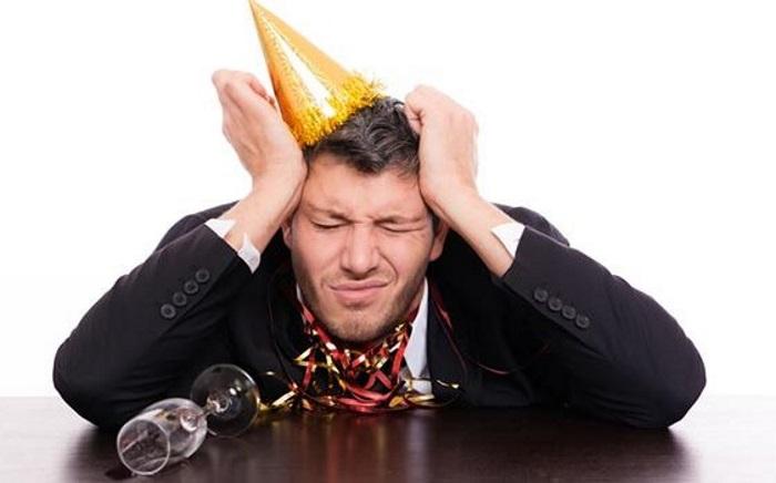 Почему с похмелья болит голова?